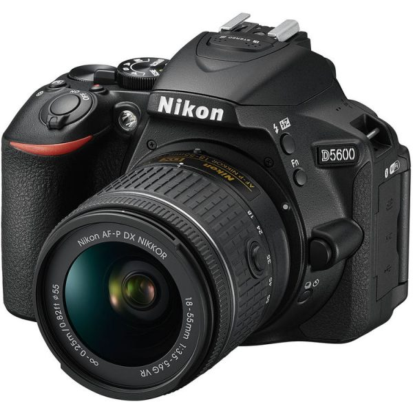 Camara Nikon D5600 Lente 18-55mm 24mpx